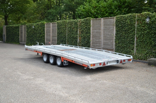 Productfoto Brian James T6 230-5453 (500x222) Transporter